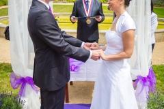 Svatební obřad vedl pan Petr Tulpa