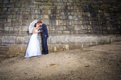 Svatební foto pod hrází přehrady v Jablonci