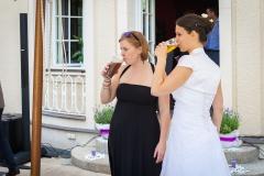 V krásném počasí na svatbě vyprahne